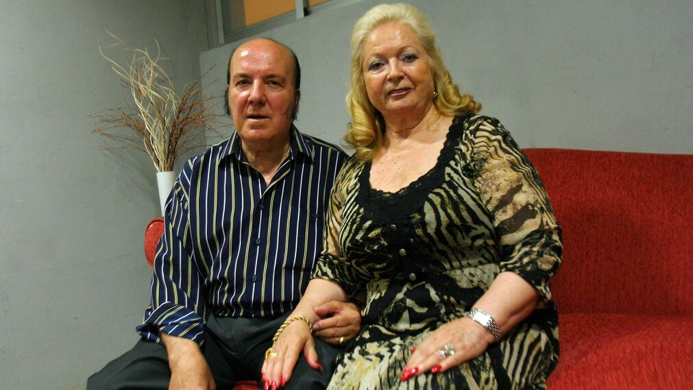 El humorista junto a su mujer Pepita