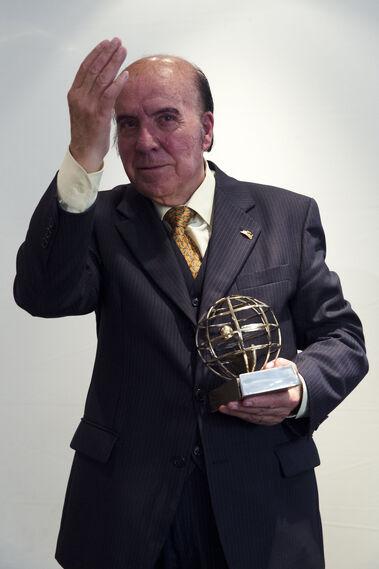 El  humorista tras recibir el  galardón al 'Personaje Malagueño' en 2016
