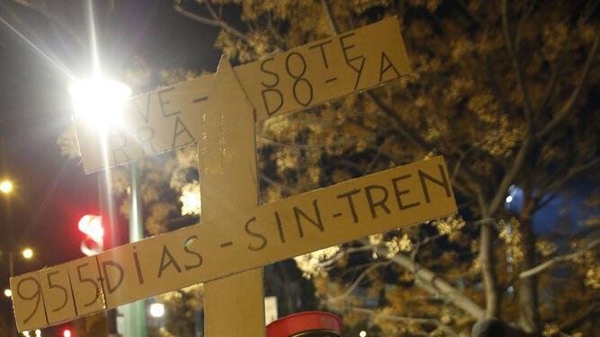 Más de cien personas reclamaron el soterramiento del AVE.
