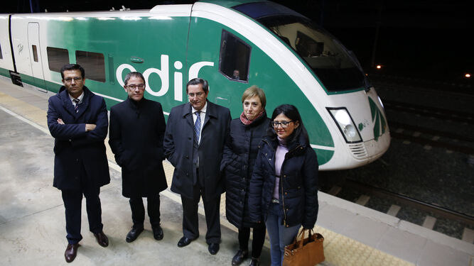 Resaca del viaje exprés del ministro: la Mesa del Ferrocarril mete presión