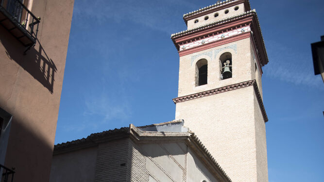 La iglesia de San Andrés Apóstol está en calle Elvira.