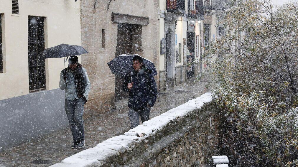 La nevada de Granada, en imágenes