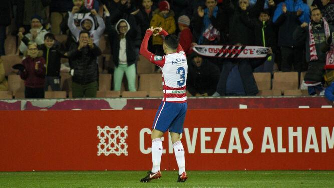 Álex Martínez hace un gesto a la grada tras el gol marcado al Zaragoza.