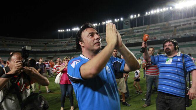 El momento cumbre de Quique Pina como presidente del Granada se produjo con el ascenso del equipo rojiblanco a Primera División tras empatar en Elche gracias a un gol de Ighalo.