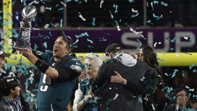 Filadelfia estalla con el primer título de los Eagles en la Super Bowl