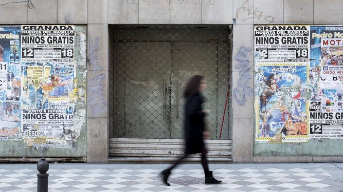 Aunque el consumo ha repuntado, sigue habiendo negocios cerrados en el centro que no encuentran reemplazo.