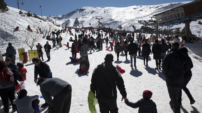 La huelga le 'cuesta' a Sierra Nevada más de cinco millones
