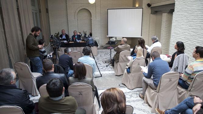 'Todos somos la Alhambra' presiona contra el sistema de entradas nominativo