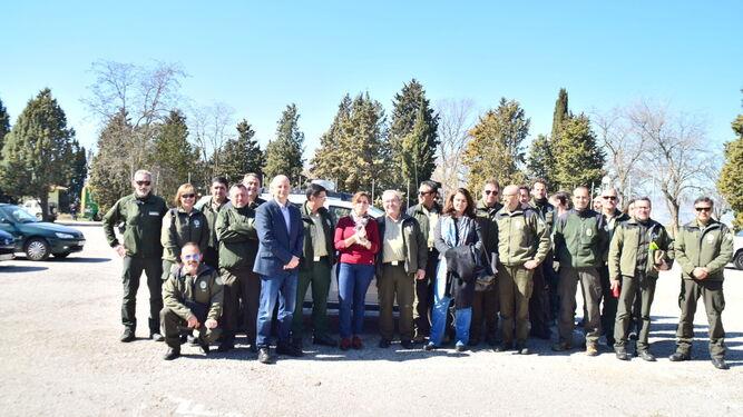 La delegada de Medio Ambiente junto con algunos participantes de las jornadas.