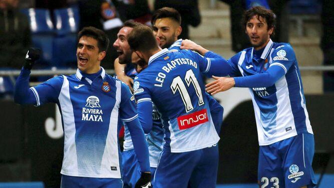 Gerad Moreno (i) festeja su decisivo tanto.