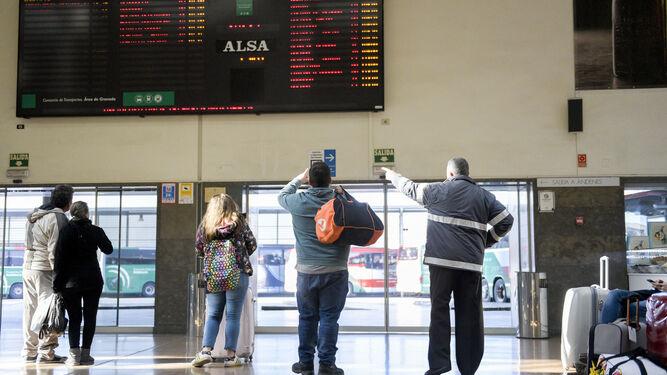 Granada-AlmeríaViaje a la estación 'fantasma'