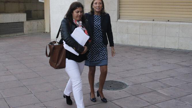 El Juzgado ha pedido a Estados Unidos acceso al correo privado de la exconcejal de Urbanismo (derecha).
