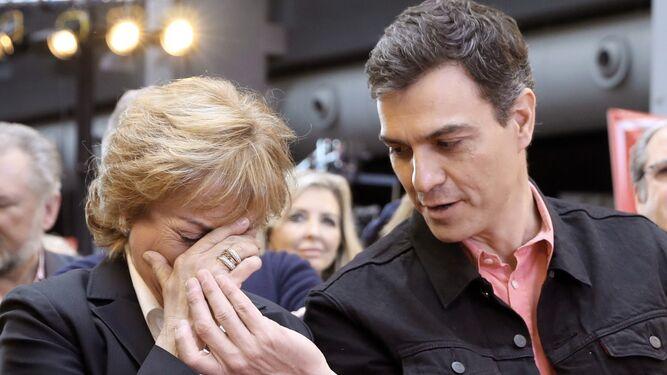 Sánchez consuela a la viuda de Manuel Marín, Carmen Ortiz Bru.
