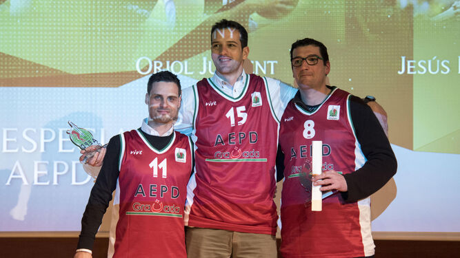Nacho Ordín, Oriol Junyent y Jesús Fernández se pusieron la rojiverde.