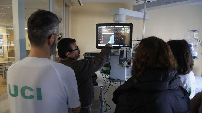 El primer día de la nueva era sanitaria: 11 partos y 17 operaciones