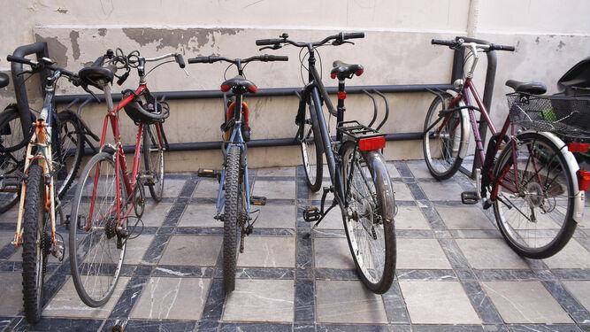 En la página web de Movilidad se pueden consultar las ubicaciones de los aparcamientos de bicicletas.