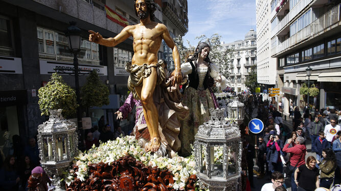 Gran expectación en el Zaidín para ver a María Santísima del Triunfo