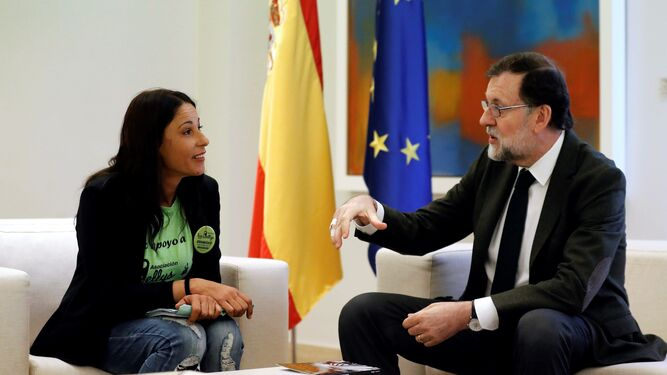 El presidente del Gobierno, Mariano Rajoy, recibió ayer en La Moncloa a cinco representantes de 'Las Kellys'.