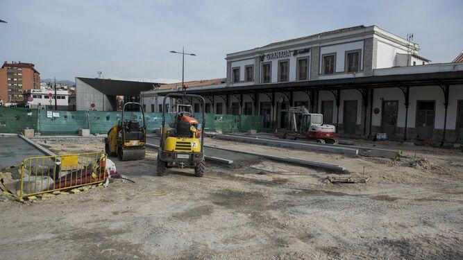 Estado actual de las obras de urbanización en la explanada de la estación de Andaluces.