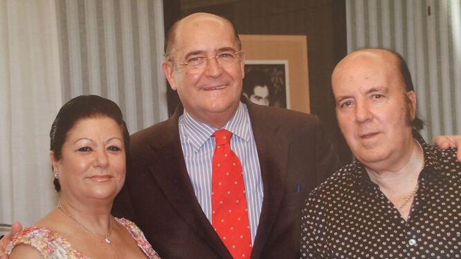 De su época de concejal, junto a Chiquito de la Calzada y Mariquilla.