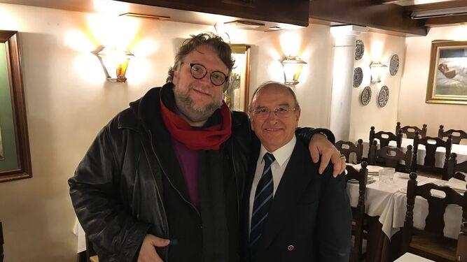Guillermo del Toro en Las Tinajas,junto a José Álvarez.