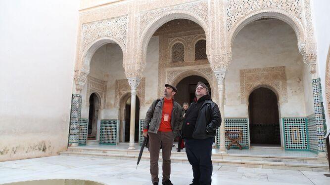 El cineasta granadino José Sánchez Montes acompañó al director durante toda la visita.