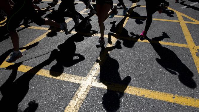 Multitud de niños disfrutaron de la carrera, recogieron sus medallas y recuperaron energías después.