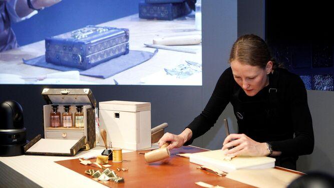 La exposición refleja el trabajo de la firma francesa.
