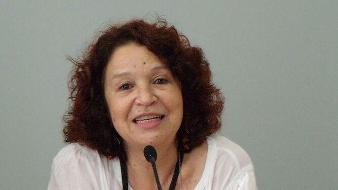 La traductora Malika Embarek.