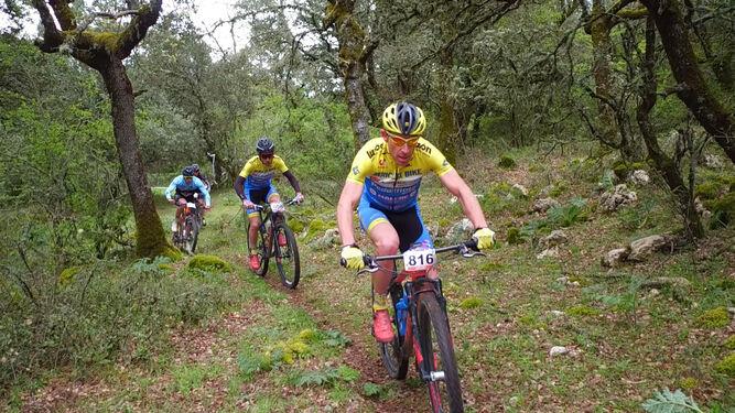 Reguerro y Guerrero ganan en ZafarrayaEl Triatlón Cross de Baza, el sábado día 12