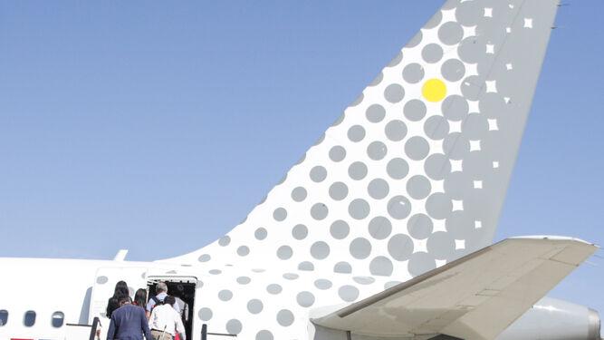 La Mesa del Aeropuerto trabaja ya para solucionar la escasez de taxis