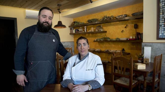 Juan Carlos Hita y Belén Laguna dan vida a este negocio en La Zubia.