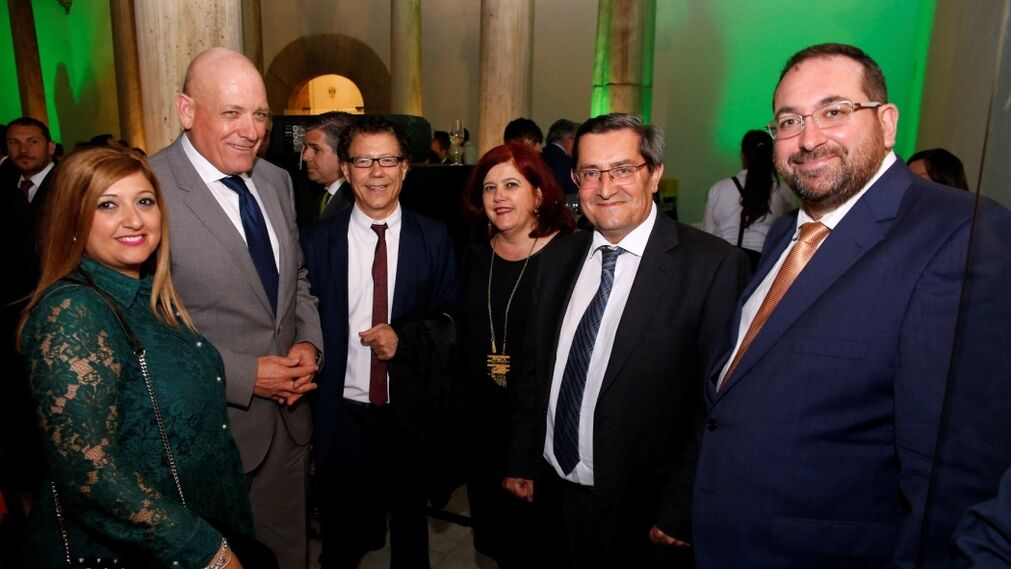 La responsable de Fermasa junto a Gerardo Sánchez, Reynaldo Fernández, Elvira Ramón, José Entrena y Germán González.