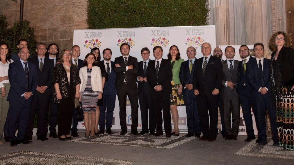 Equipo de trabajadores de la Dirección Territorial de Bankia estuvo presente en el acto junto a su presidente José Ignacio Goirigolzarri.