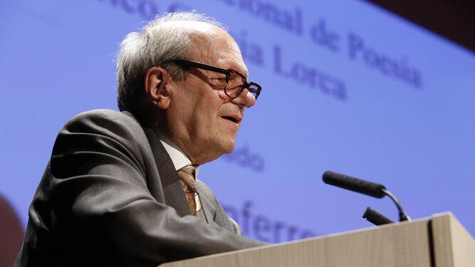 El escritor barcelonés Pere Gimferrer durante su discurso.