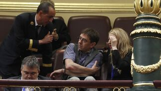 Juan Carlos Monedero, sigue el debate en el Congreso.