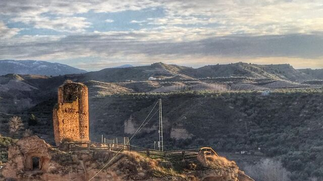 La ruina y el olvido amenazan a una veintena de monumentos for Oasis motors corpus christi