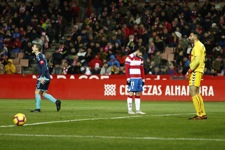 El Granada salva el liderato de penalti ante un Albacete que sigue segundo tras el empate del Deportivo y la derrota del Málaga ante un sorprendente Reus.