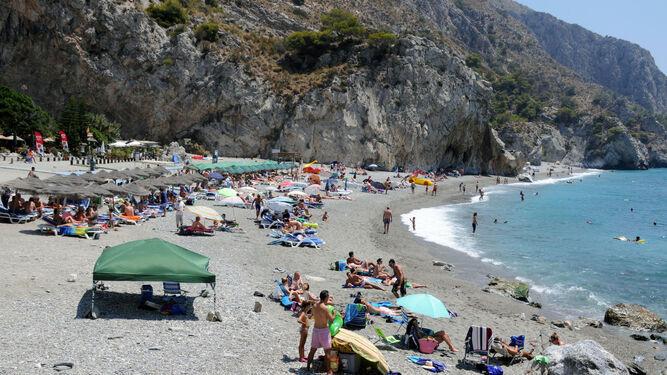 Playa de Cantarriján.
