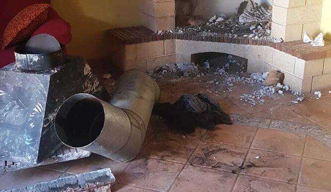 La chimenea en la que quedó atrapado el ladrón.