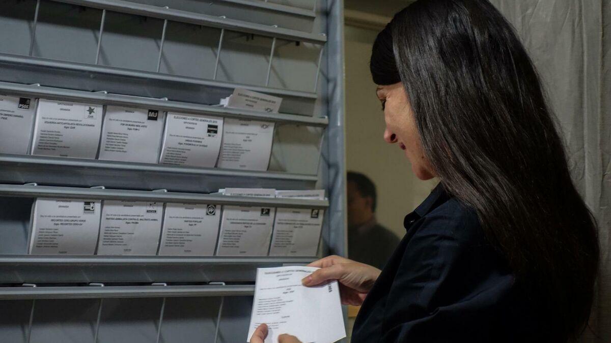 Así ha votado la candidata de Vox al Congreso por Granada Macarena Olona - Granada Hoy