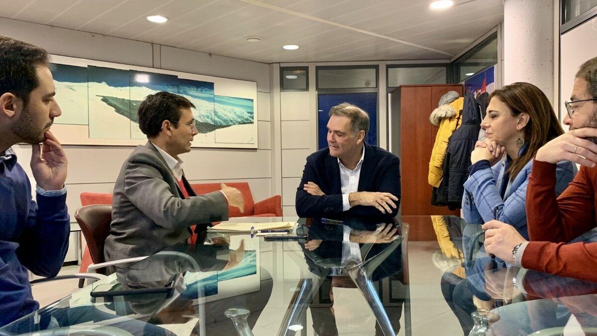 Paco Cuenca retoma su agenda de alcalde de Granada en la sombra y se reúne con Cetursa - Granada Hoy