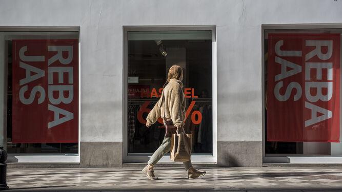 Las primeras idas y venidas con bolsas por las calles comerciales