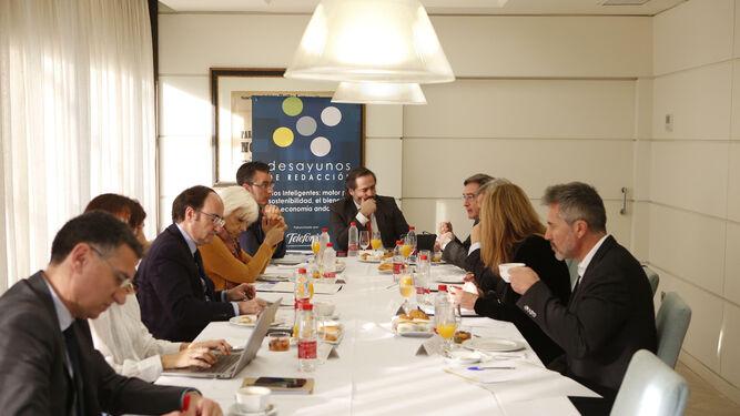 Un momento del desayuno de redacción en Diario de Sevilla.