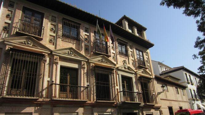 Fachada del Palacio de los Carvajales.