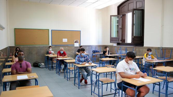 Vuelta al cole en Granada: Los alcaldes del PSOE ceden instalaciones  municipales a la Junta para uso educativo
