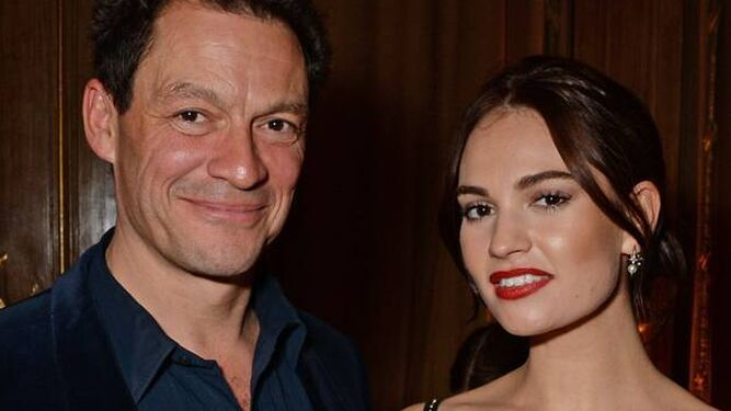 Los actores Dominic West y Lily James, juntos en un estreno.