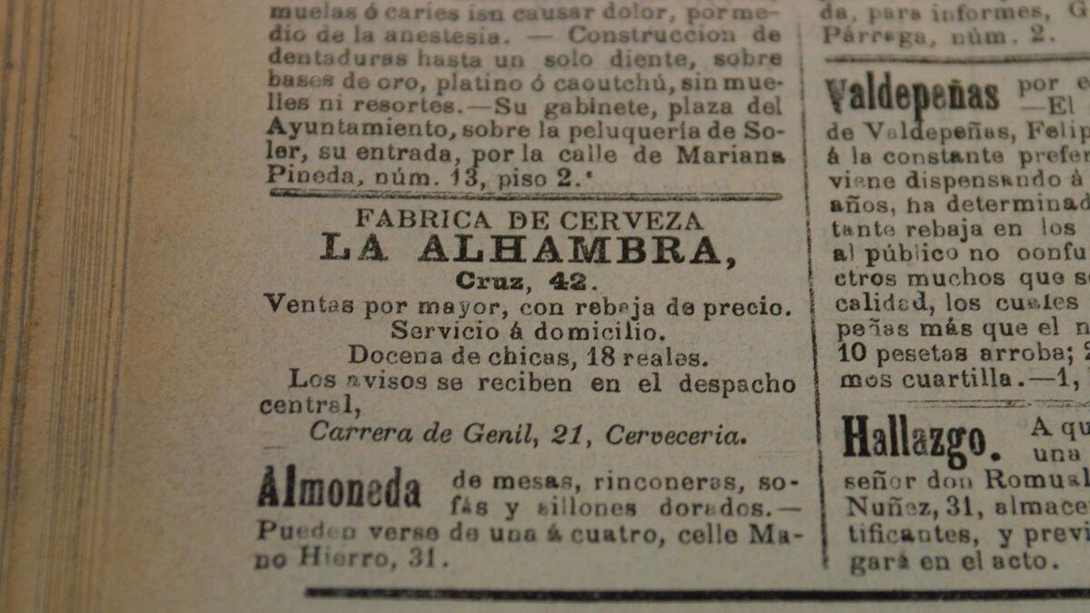 Curioso anuncio de Cervezas Alhambra que pedía una docena de chicas.