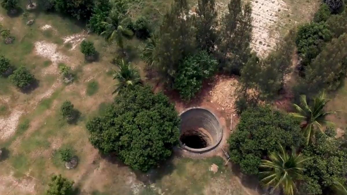 Imagen de un pozo seco en la India