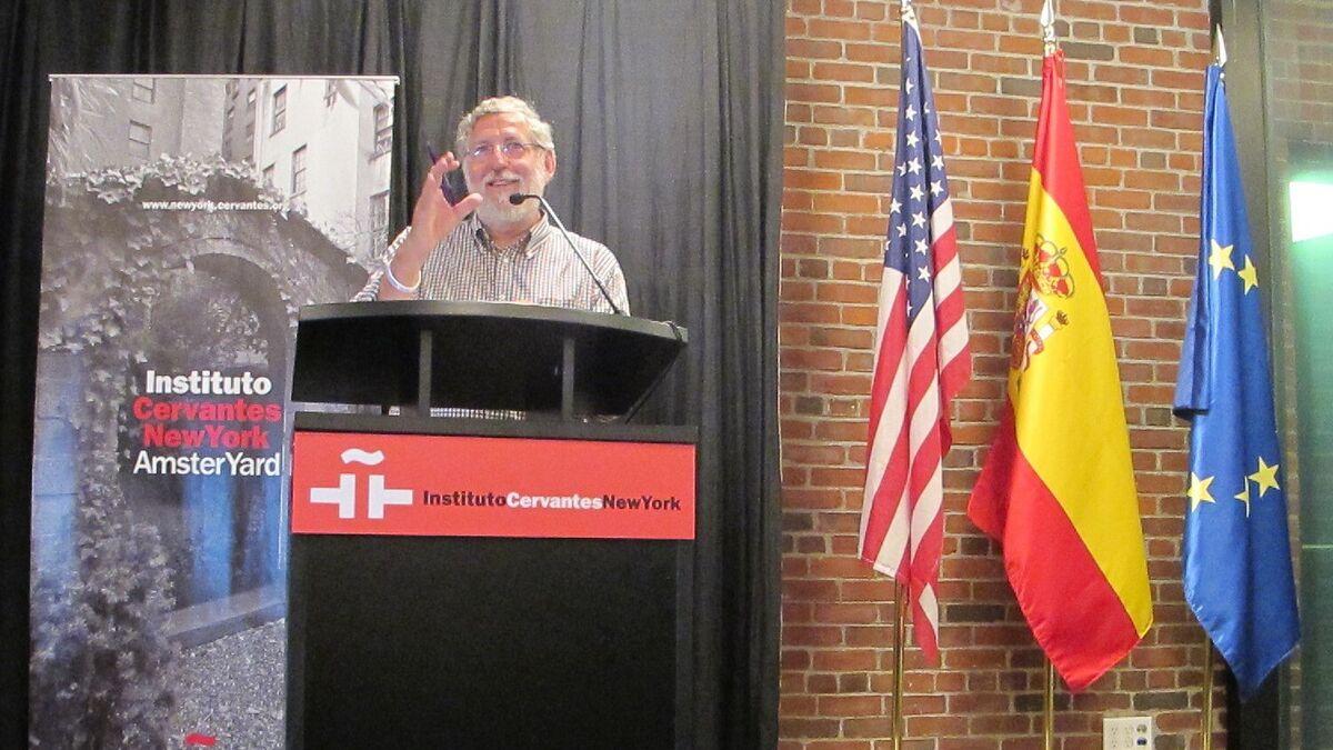 Momento de mi conferencia en el Instituto Cervantes de Nueva York sobre la malafollá granaína.